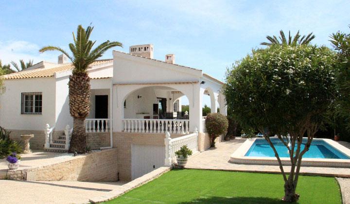 Luxury Villa In Villamartin
