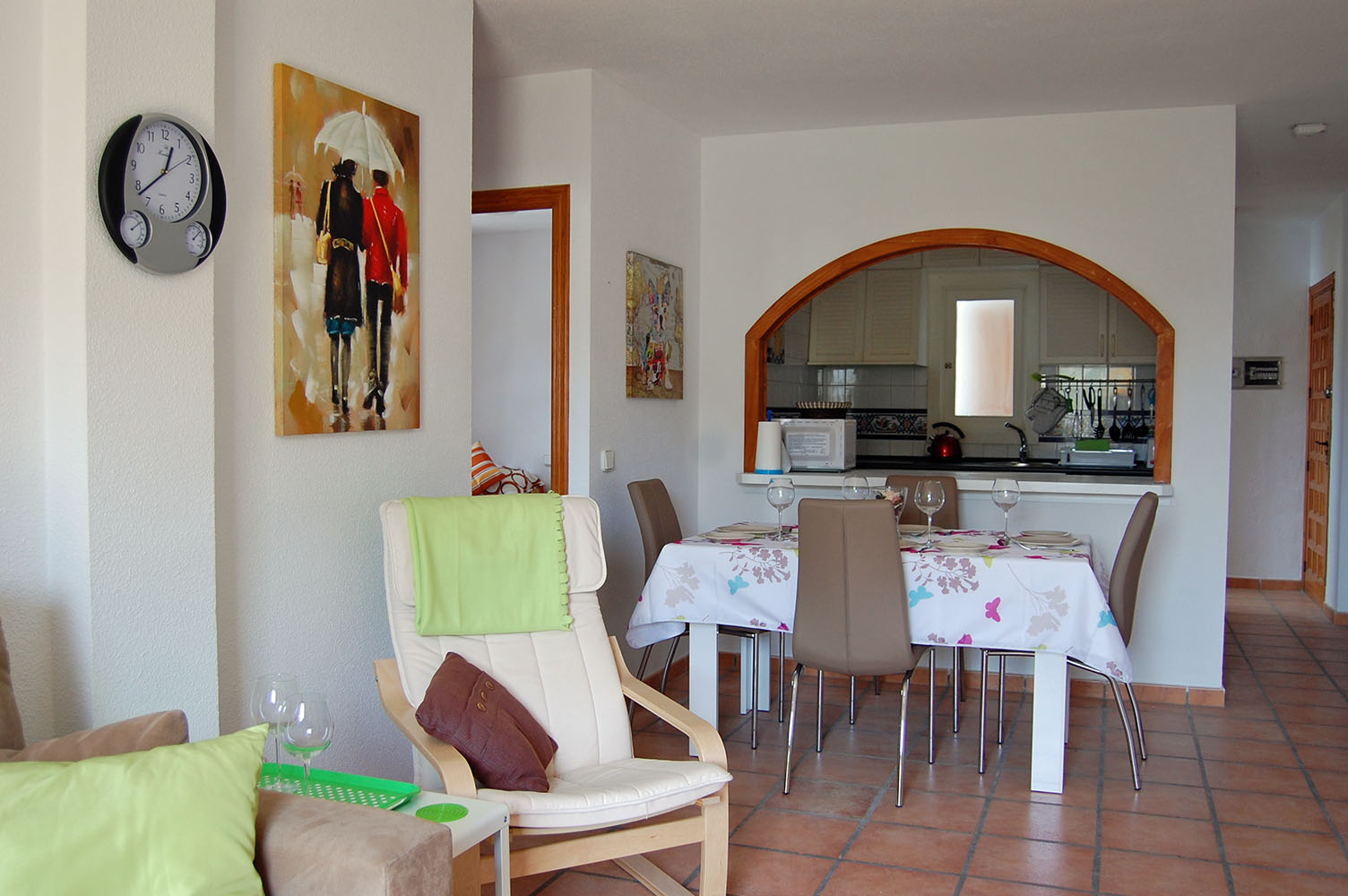 ITSH Property Dining area of the Villamartin Apartment 4