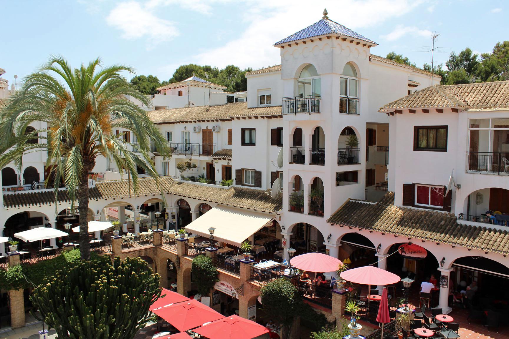 ITSH Property Views over the Villamartin Plaza 11