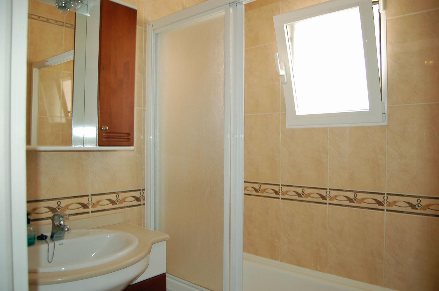 ITSH Property Full bathroom 11