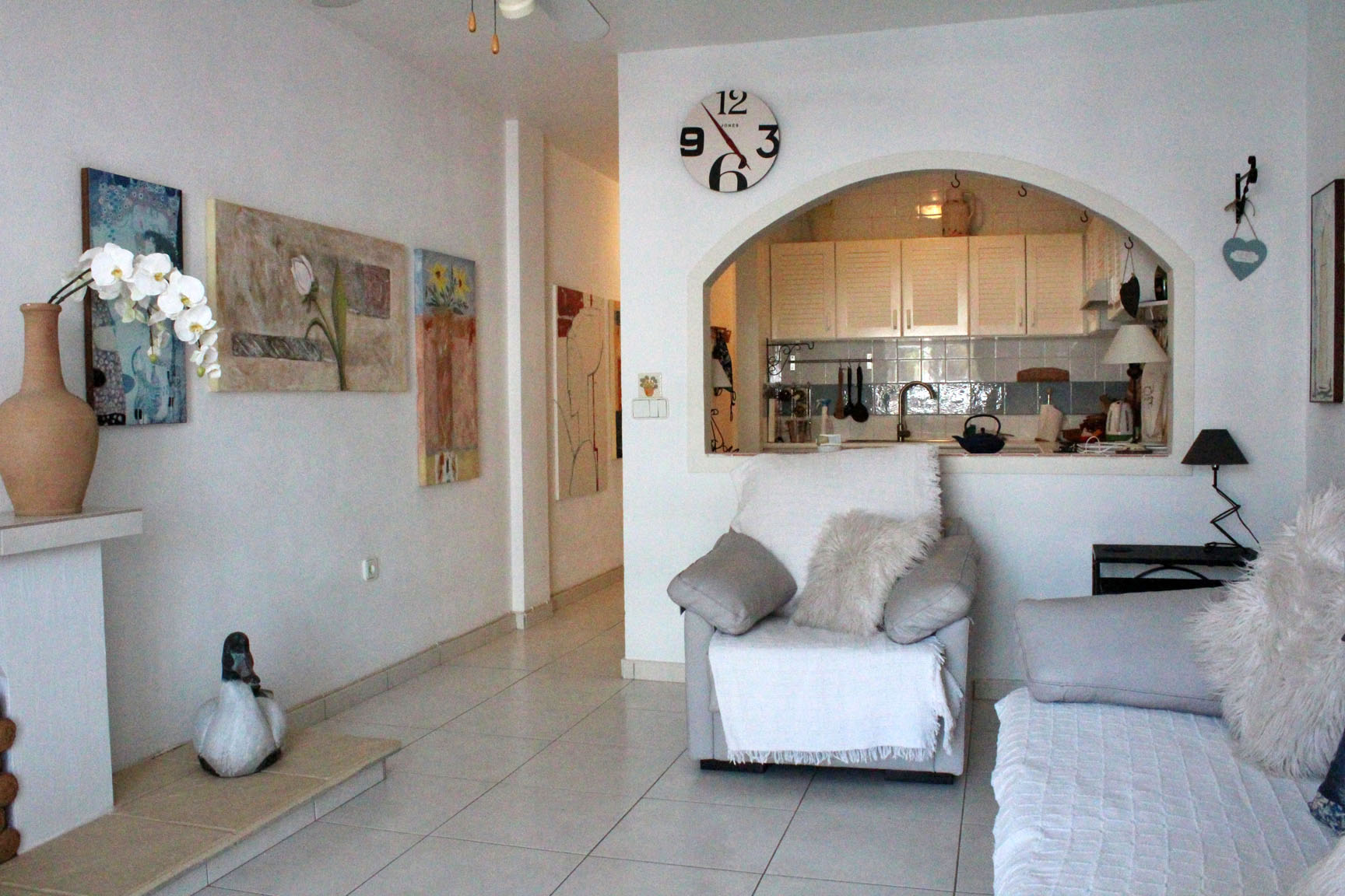 ITSH Property Spacious living room 5