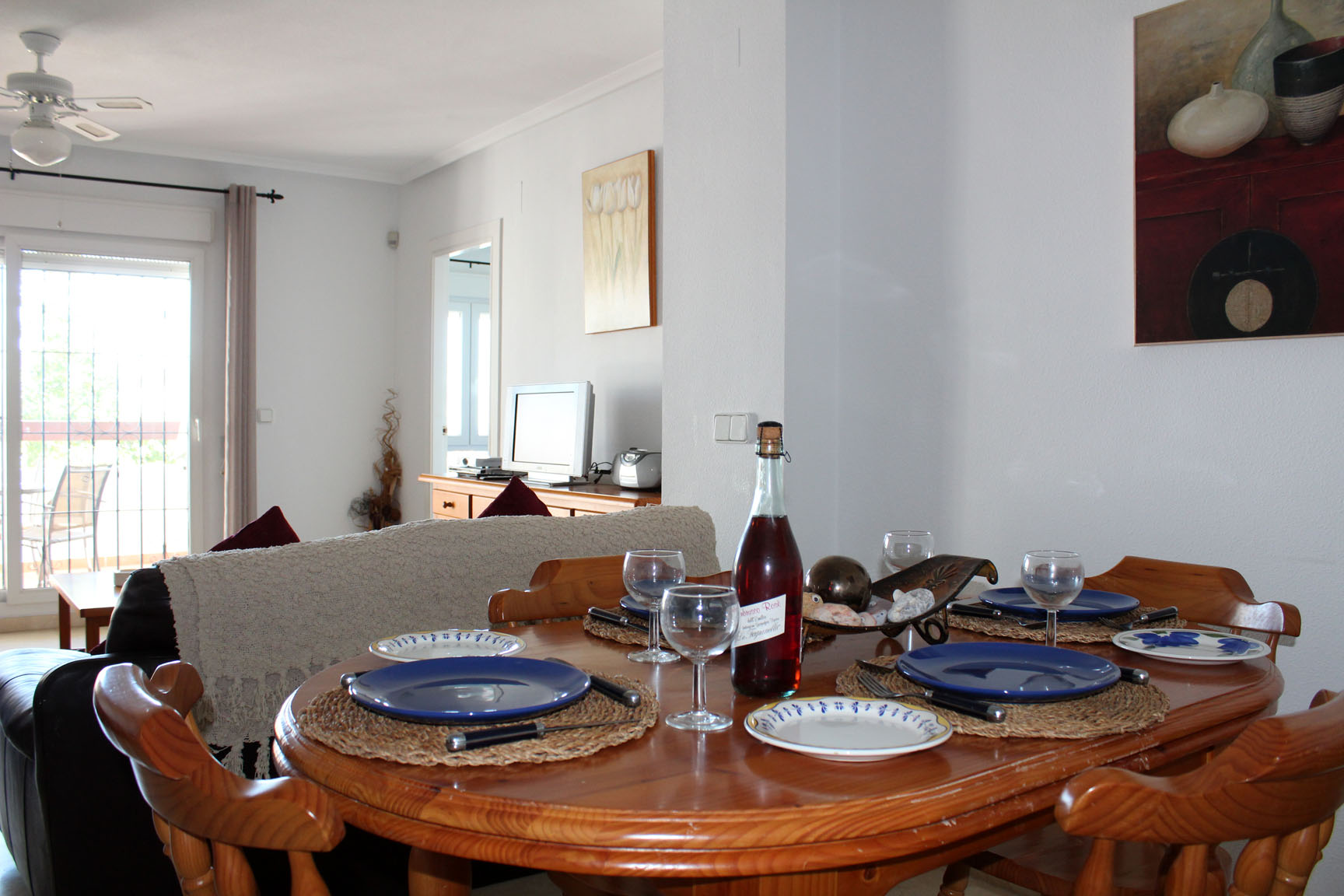ITSH Property Dining area for 6 5