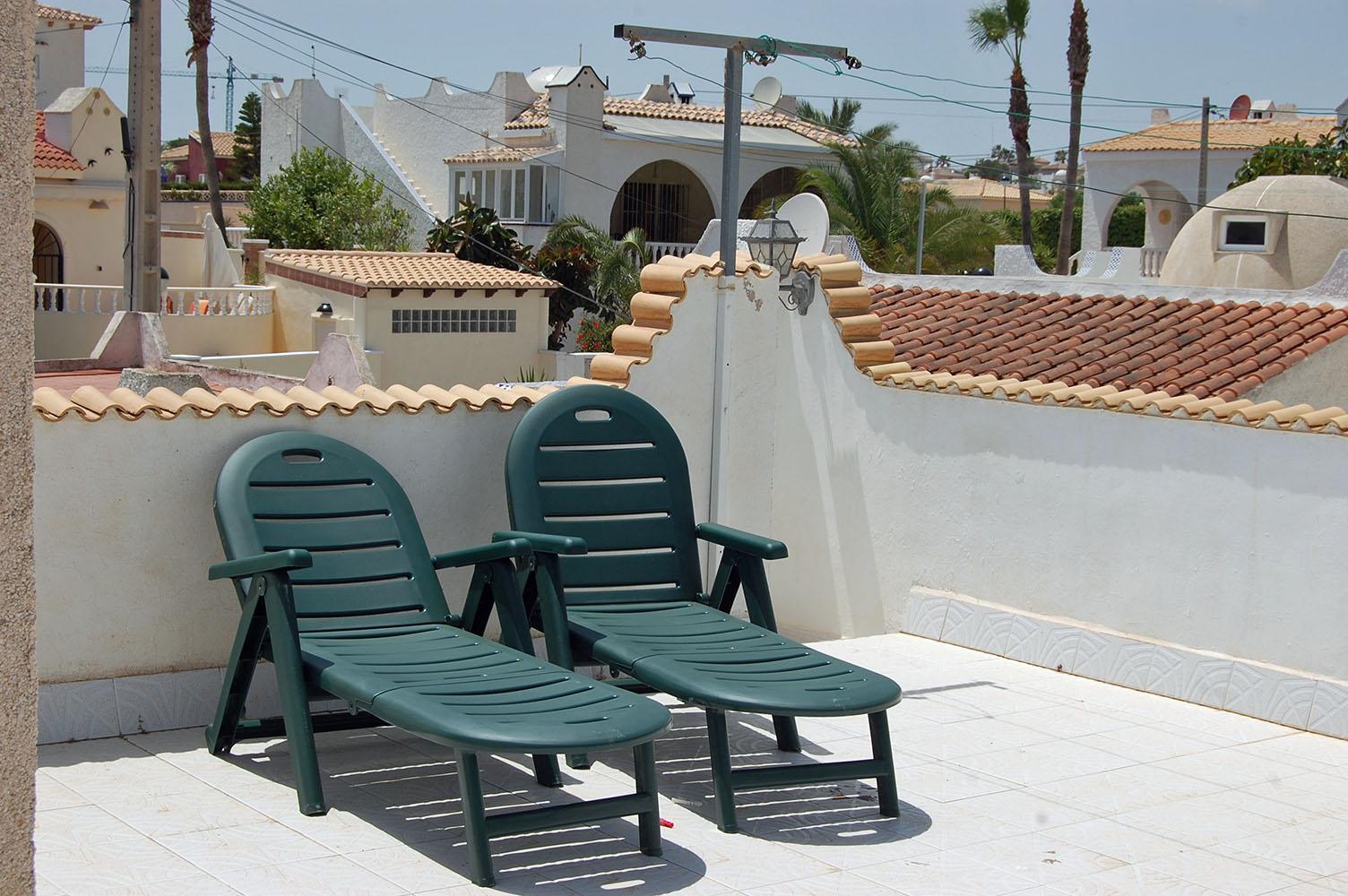 ITSH Property Sunbathing on the private solarium 13