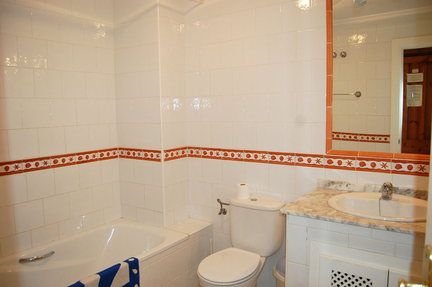 ITSH Property Large full bathroom 9