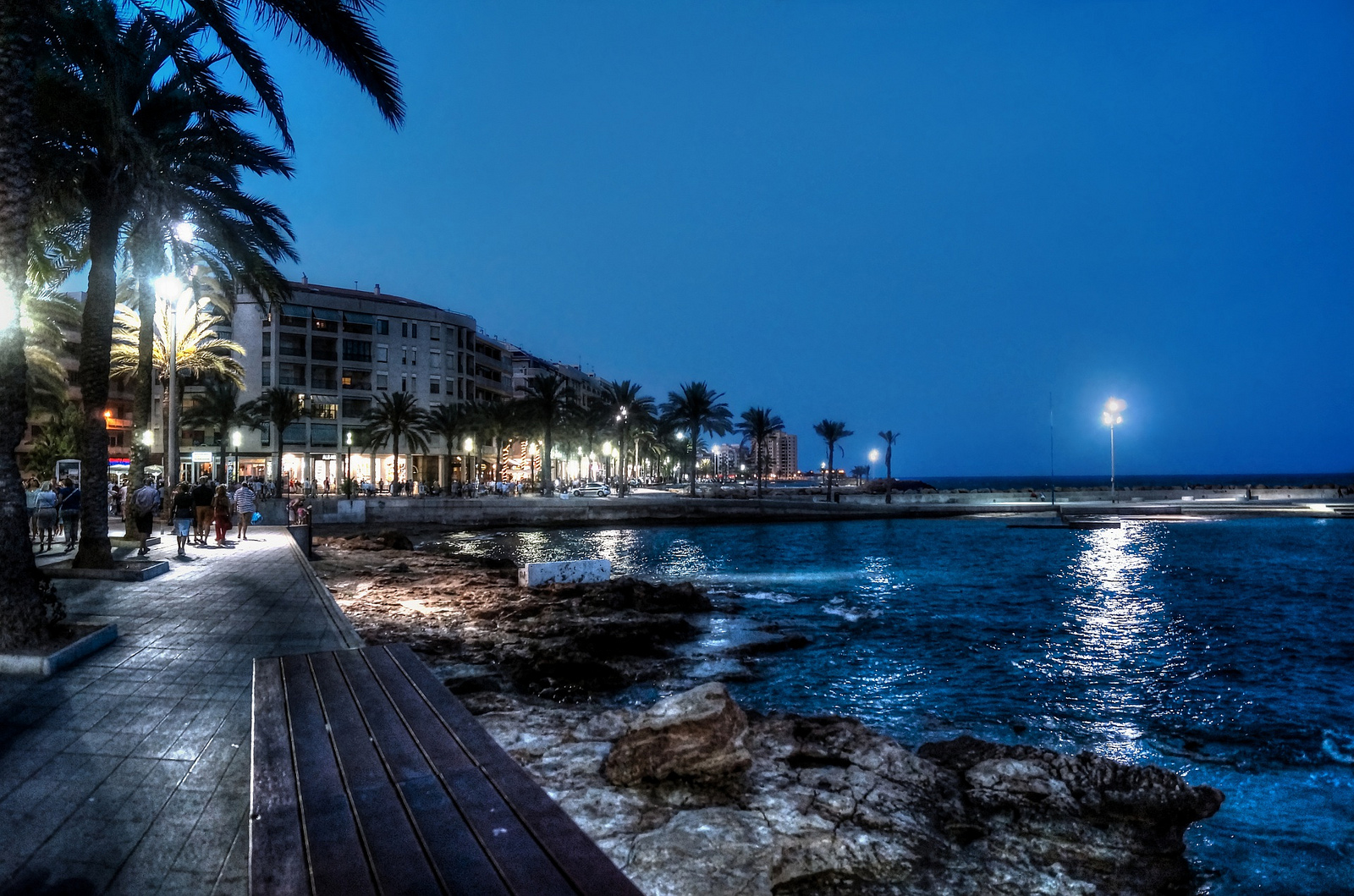 ITSH Property Torrevieja seafront by night 18