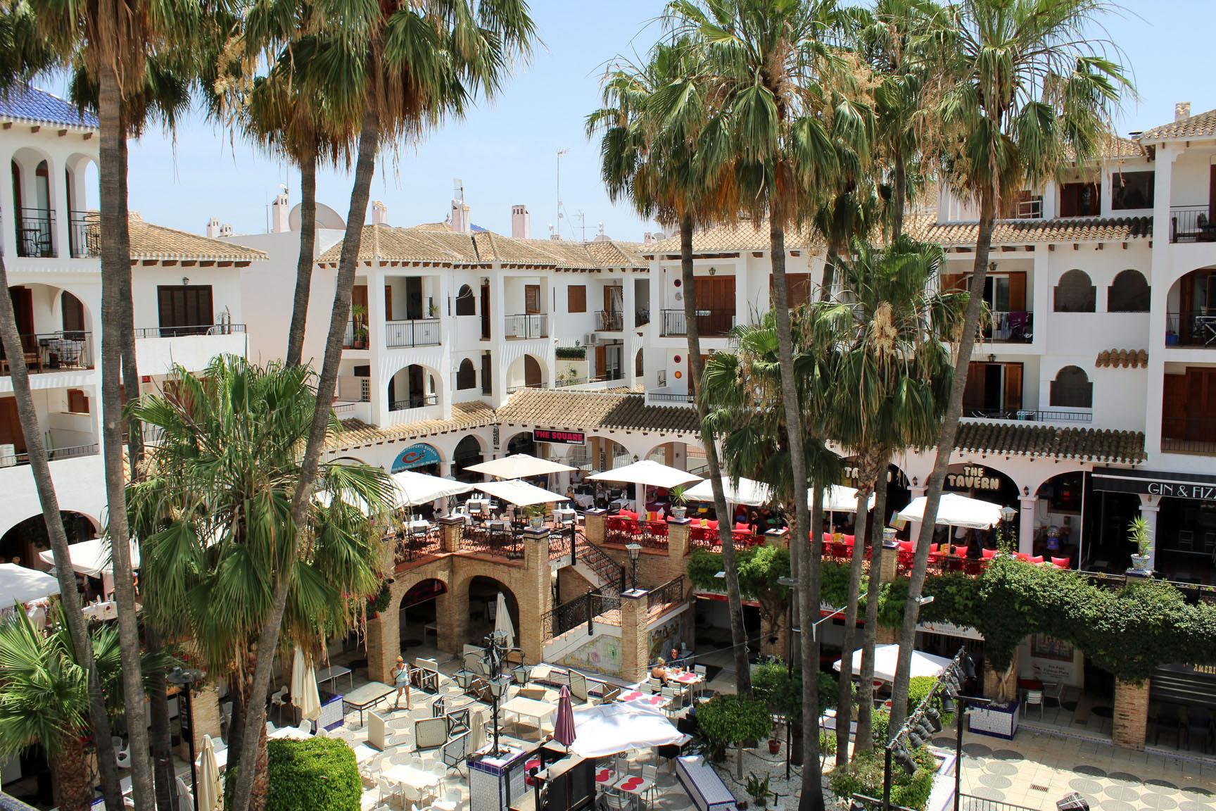 ITSH Property Views over the Villamartin Plaza 3