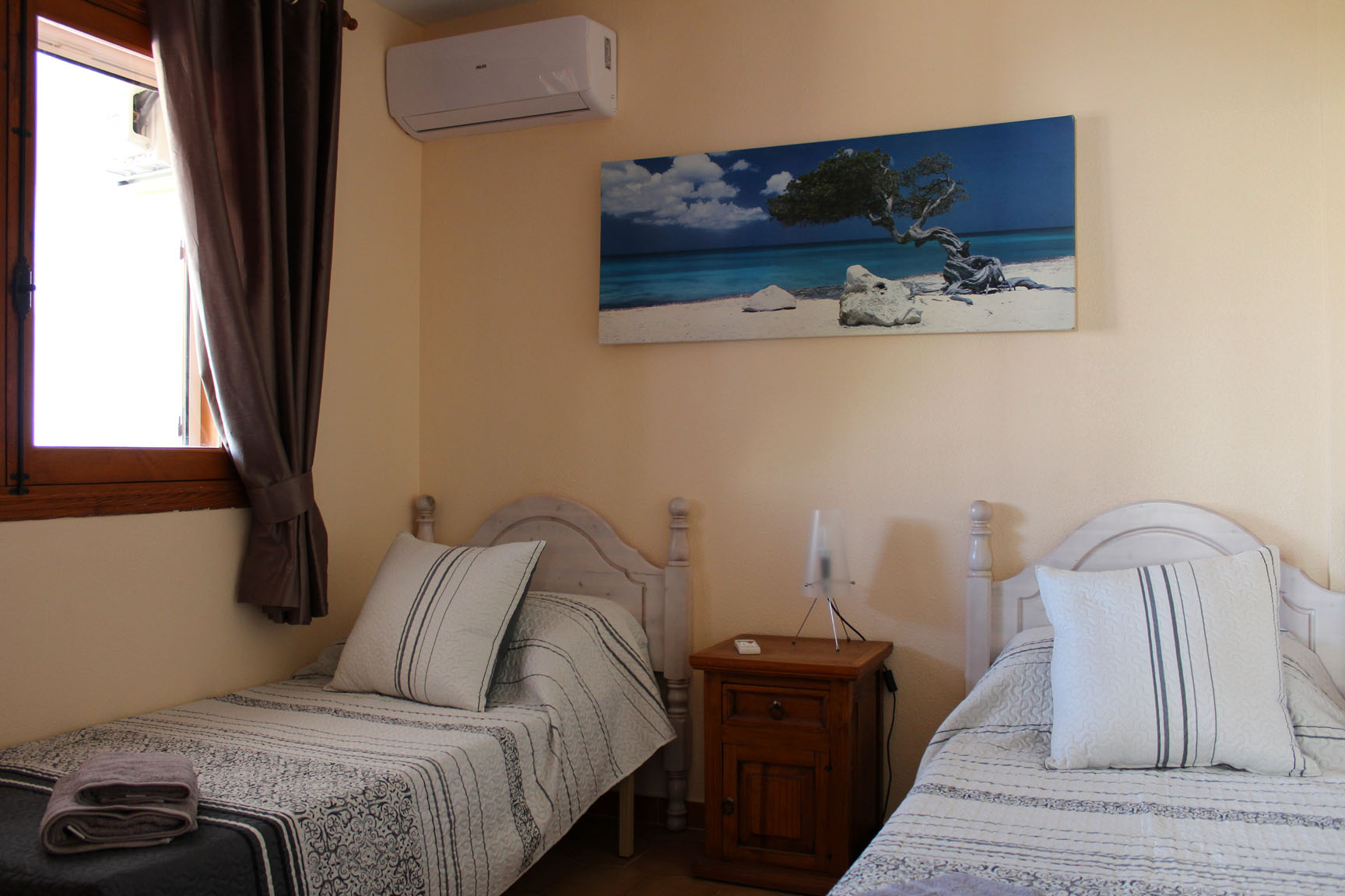 ITSH Property Master bedroom with aircon 7