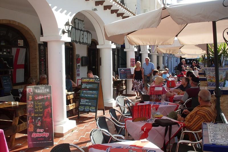 ITSH Property Restaurants on the Villamartin Plaza 15