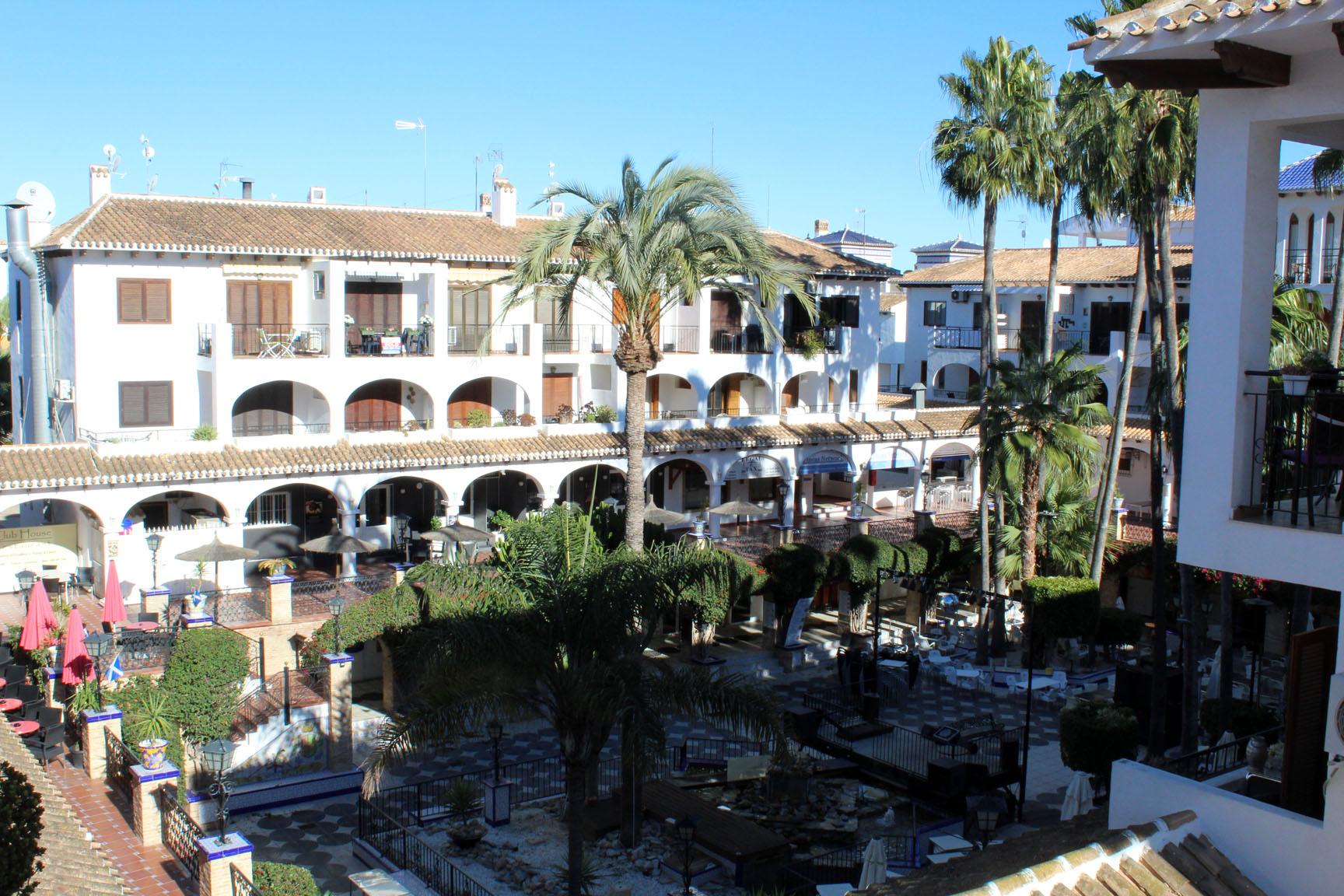 ITSH Property Views into the Villamartin Plaza 1