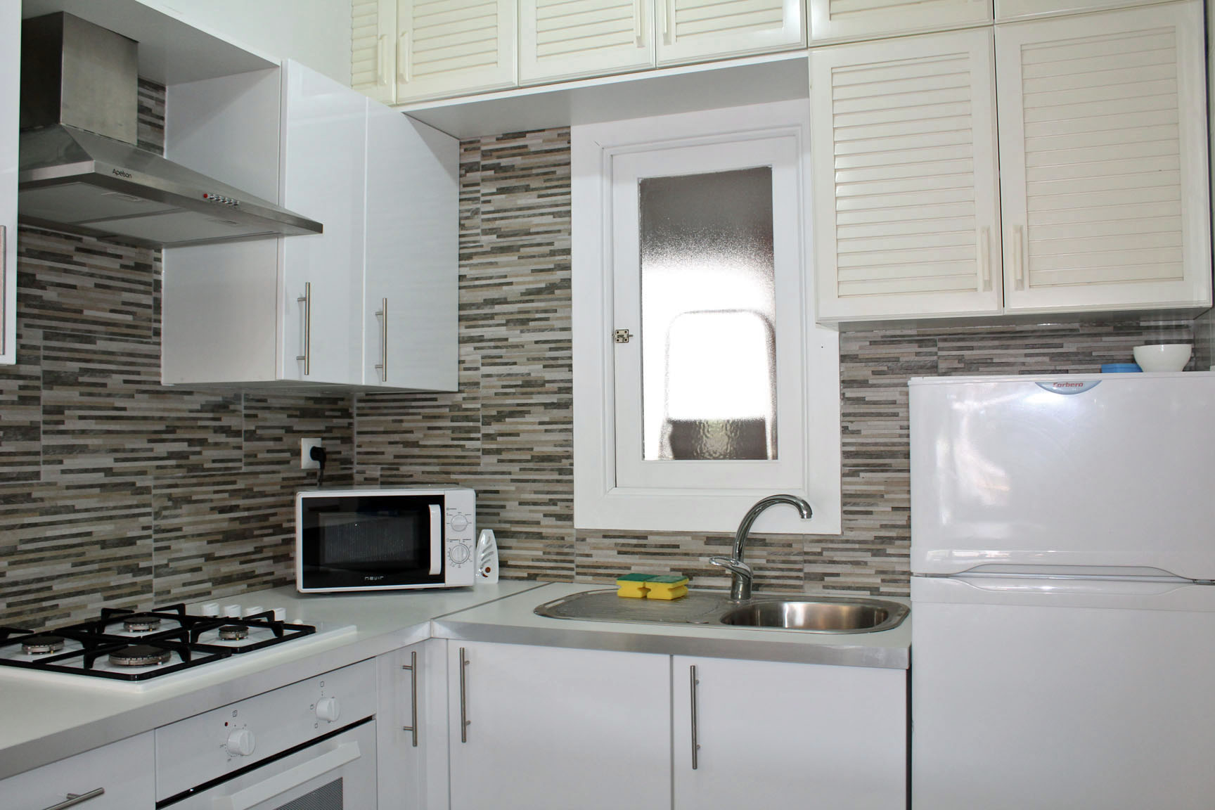 ITSH Property Fully fitted American Style kitchen 7