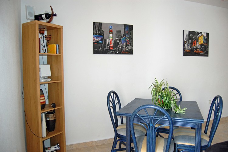 ITSH Property Dining area for four 6