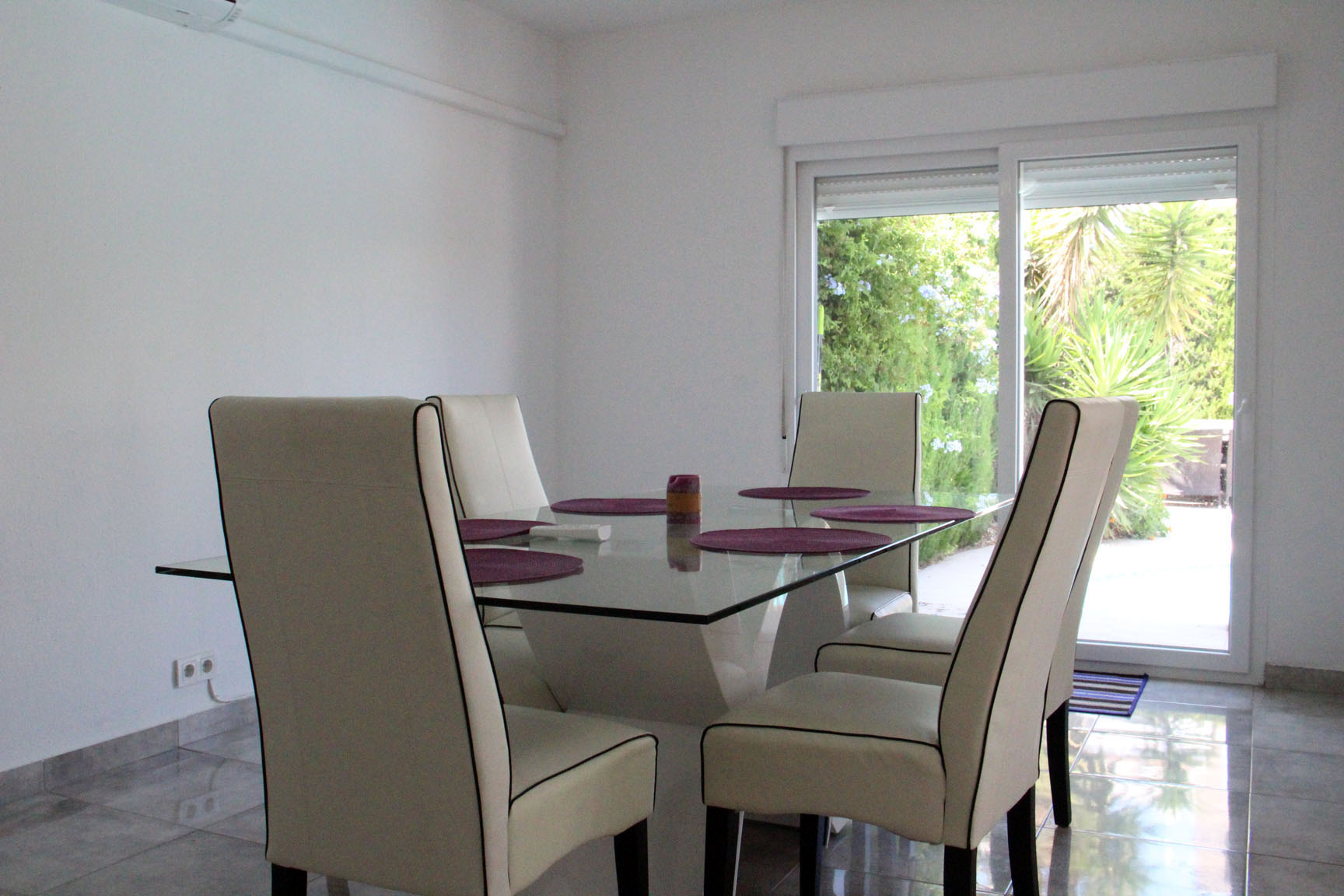 ITSH Property Beautiful dining area 4