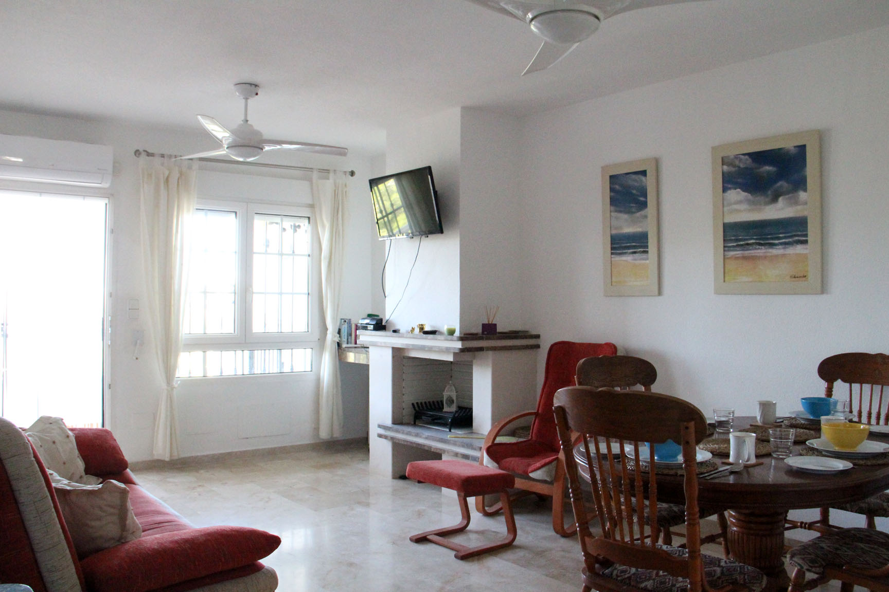 ITSH Property Large living room and dining area 2