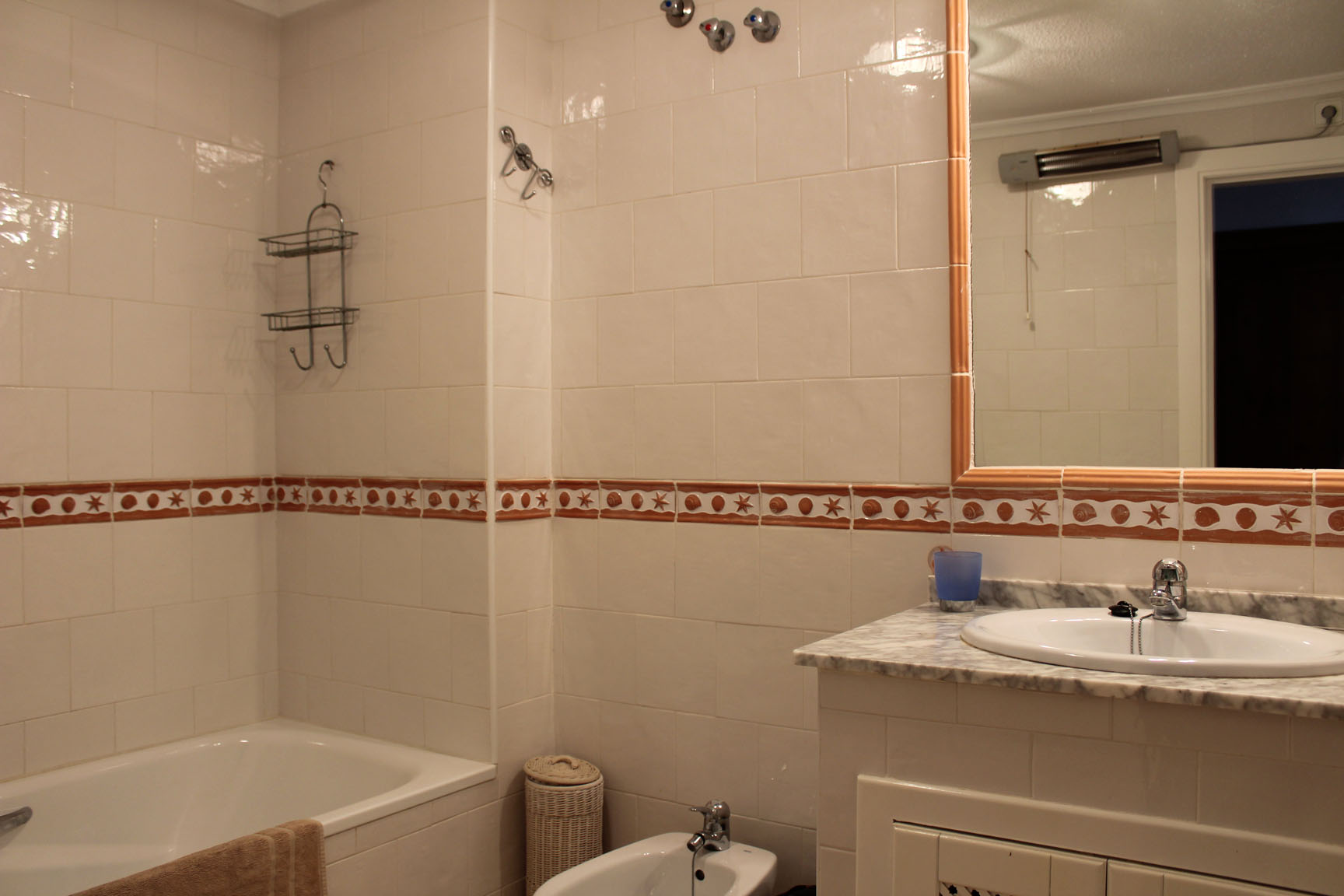 ITSH Property Large family full bathroom 9