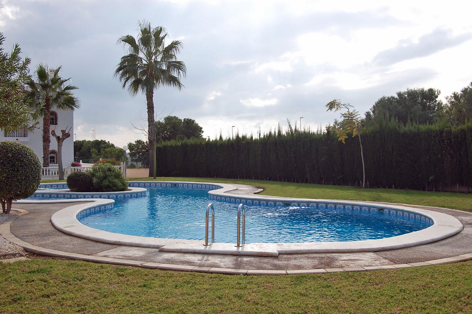 ITSH Property Beautiful communal pool 18