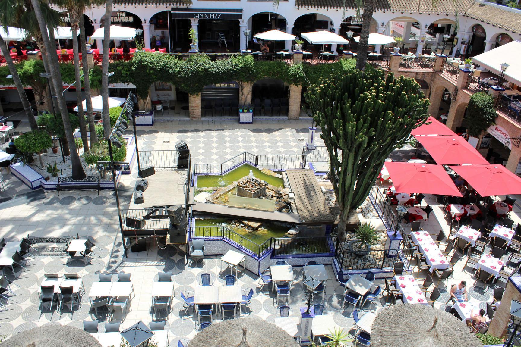ITSH Property Views over the Villamartin Plaza 10