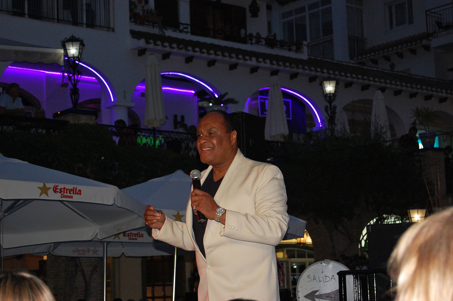 ITSH Property Ray Lewis of the Drifters in the central plaza 14