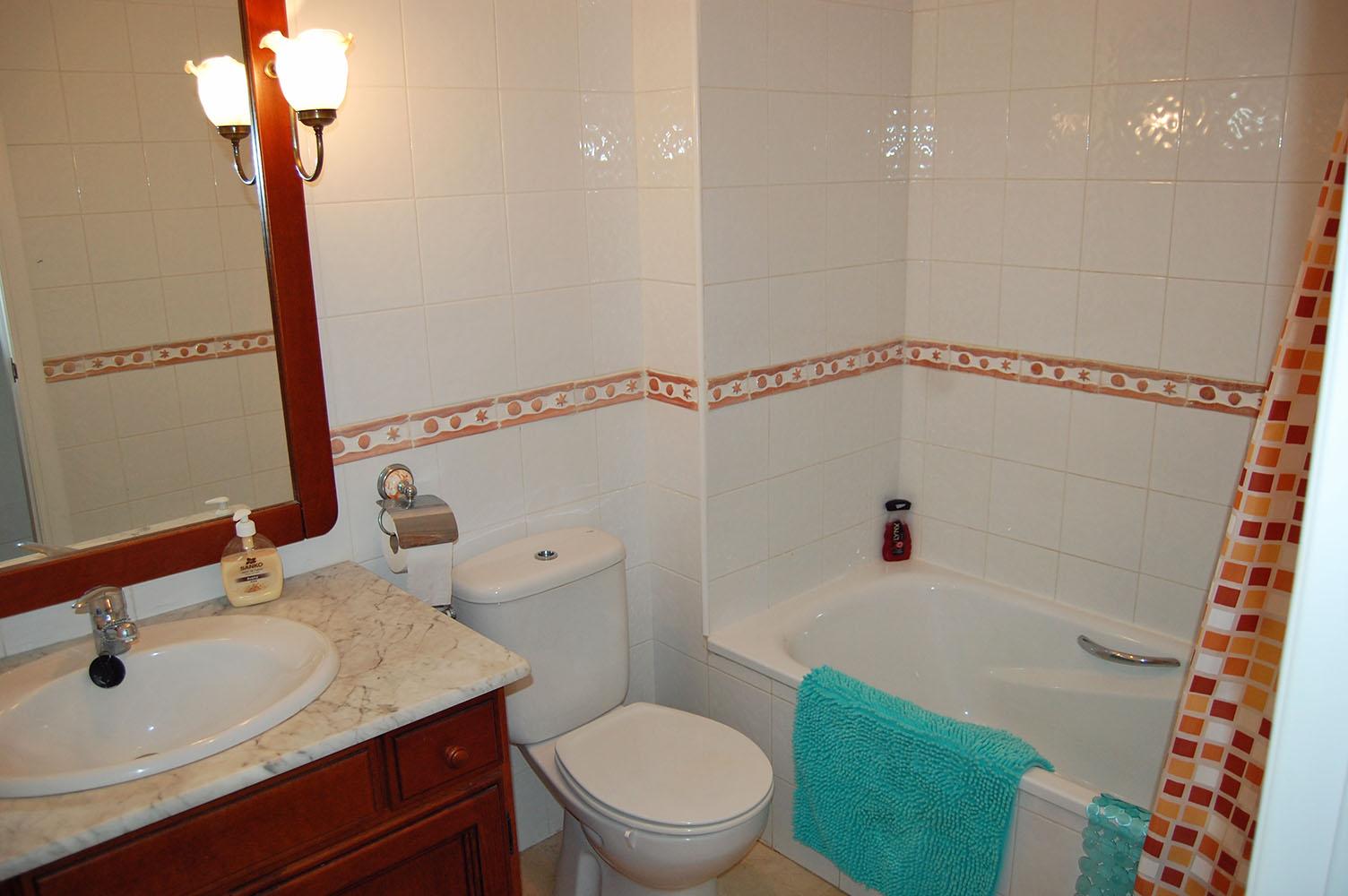 ITSH Property Main full bathroom 12