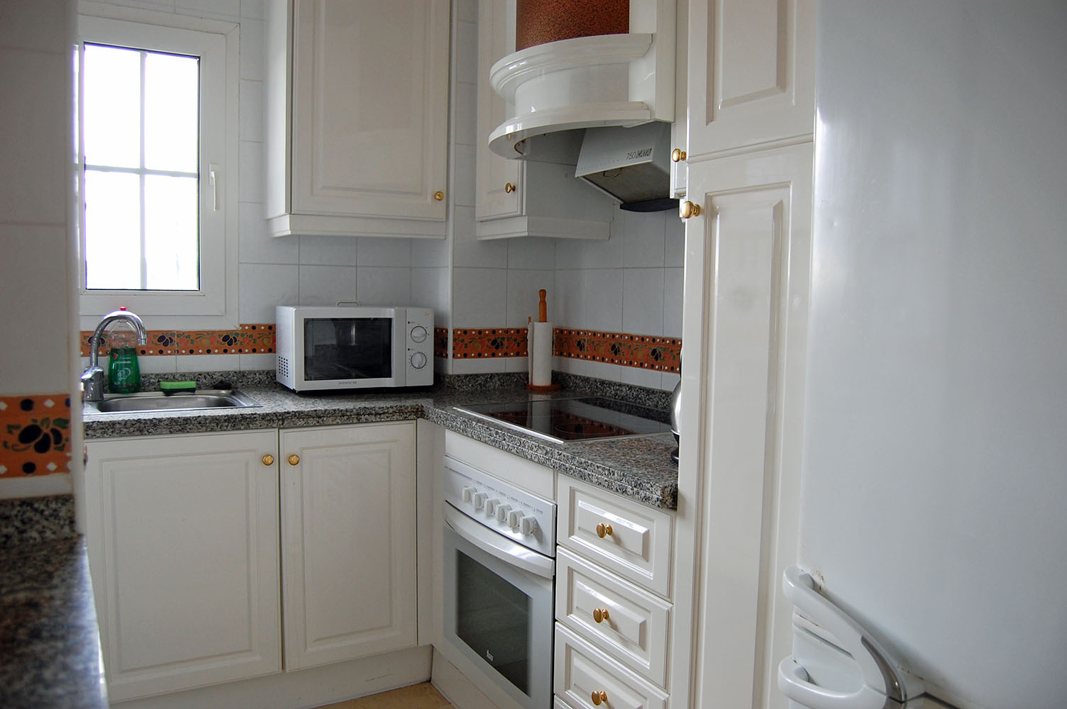 ITSH Property Fully fitted kitchen 6
