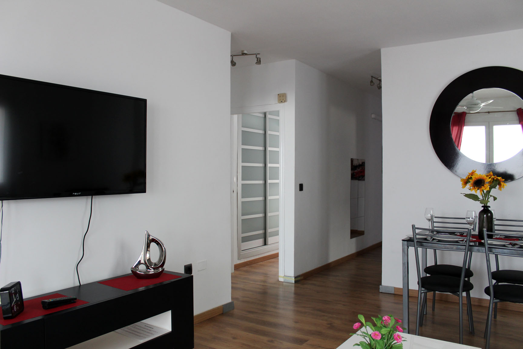 ITSH Property Full UK TV package and flat screen TV 3