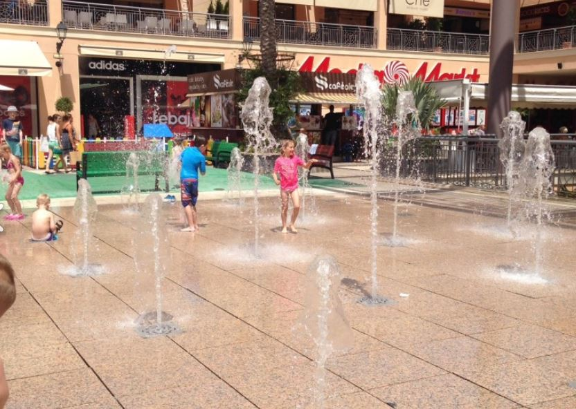 ITSH Property Water feature for the Zenia Blvd Shopping Mall 17