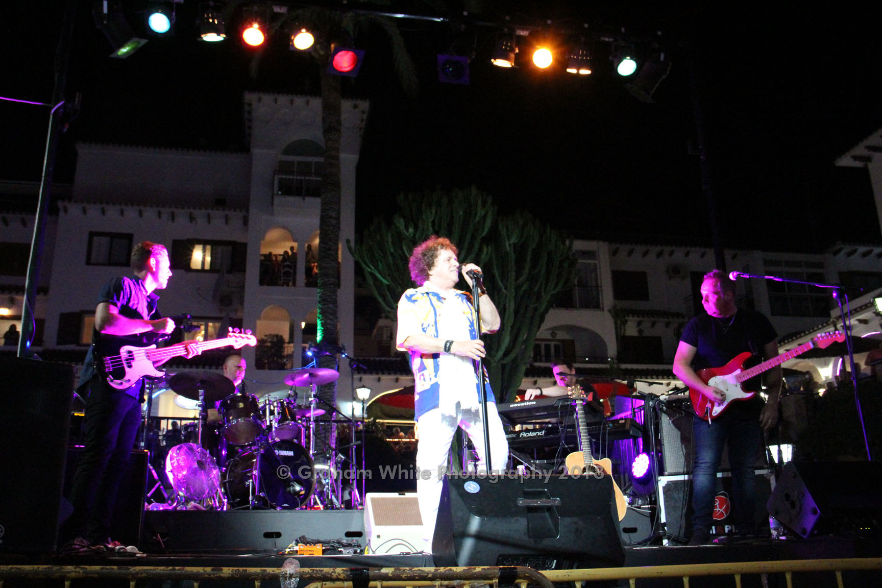 ITSH Property Leo Sayer in the central plaza on his 2018 world tour 18