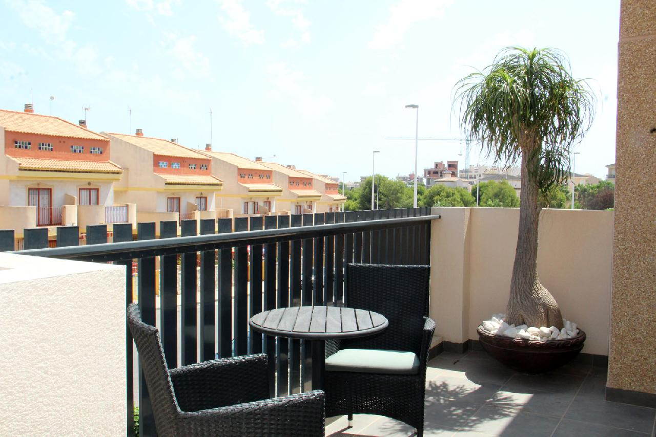 itsh 1632172264OFCWJT ref 1771 mobile 4 Entrance of the apartment La Zenia