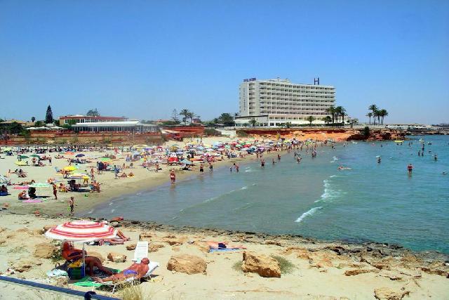 itsh 1522050560HTILRA ref 1704 mobile 21 La Zenia beach 3 km away Villamartin Plaza