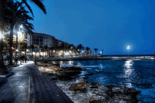 itsh 1553262456RFOTWN ref 1098 mobile 22 Torrevieja water front at night Villamartin