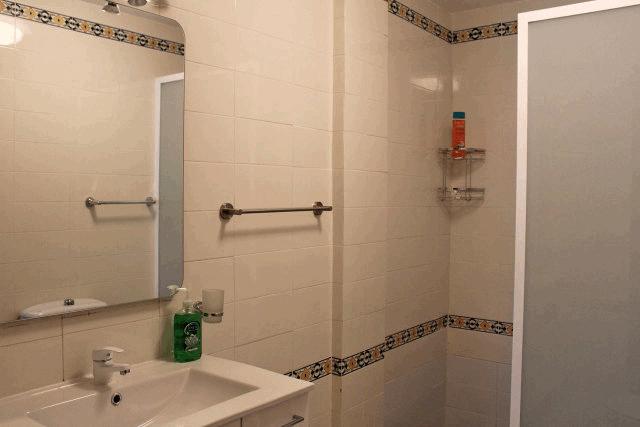itsh 1522138368SXEZUQ ref 1730 mobile 9 En suite shower room to bedroom Villamartin Plaza