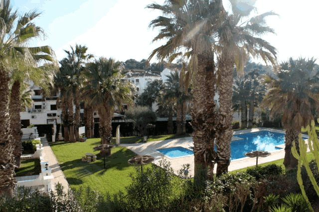 itsh 1578332977JCAXUS ref 1753 mobile 12 Views from the balcony to the pool Villamartin