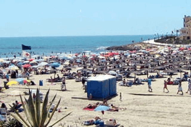 itsh 1521881460TQWANP ref 1712 mobile 20 La Zenia Beach, one of the many nearby Playa Flamenca