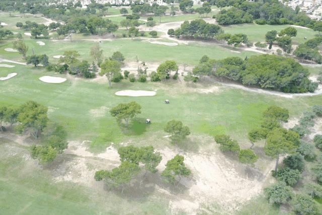 itsh 1592609730JMUNYV ref 1761 mobile 18 Villamartin Golf Course next door Villamartin Plaza