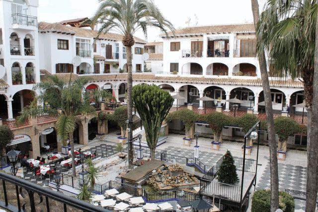 itsh 1522138368SXEZUQ ref 1730 mobile 10 Fantastic views into the Villamartin Plaza Villamartin Plaza