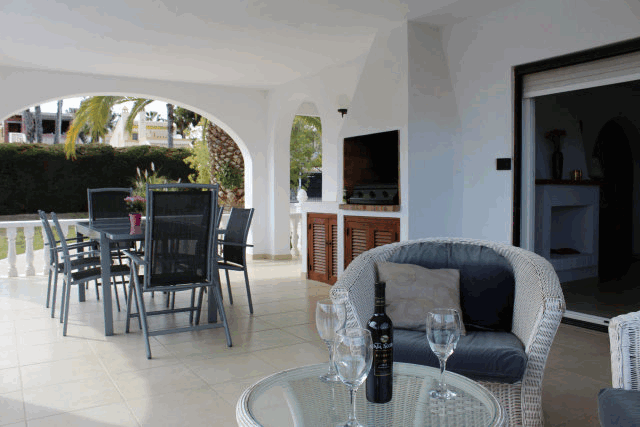 itsh 1553262456RFOTWN ref 1098 mobile 3 The perfect terrace for relaxing and dining! Villamartin