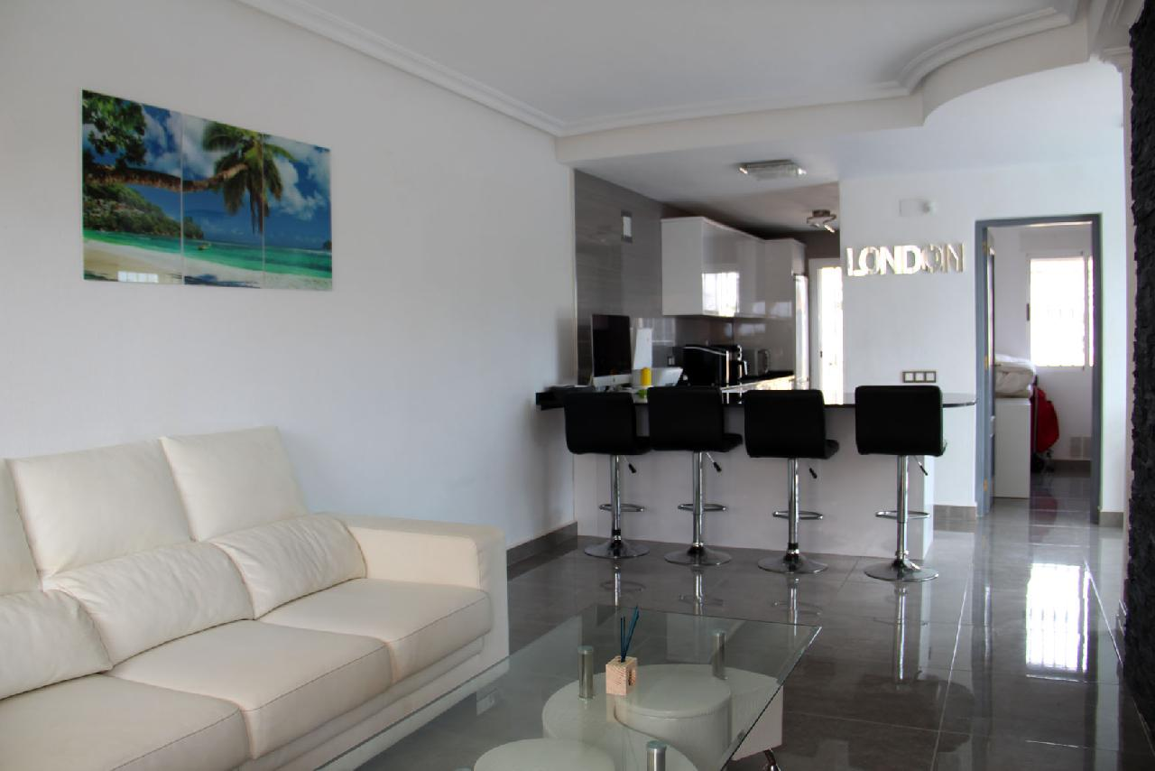itsh 1631312124YNWEKC ref 1768 mobile 7 Living room, TV and FREE WIFI Villamartin