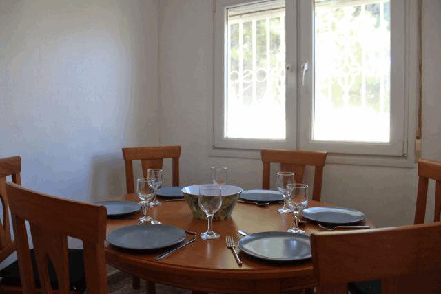 itsh 1573332353HUYLBQ ref 1750 mobile 5 Inside dining area El Galan