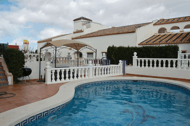 itsh 1522046576TOFMCN ref 1627 mobile 2 Area for BBQ's and relax around your private pool Villamartin