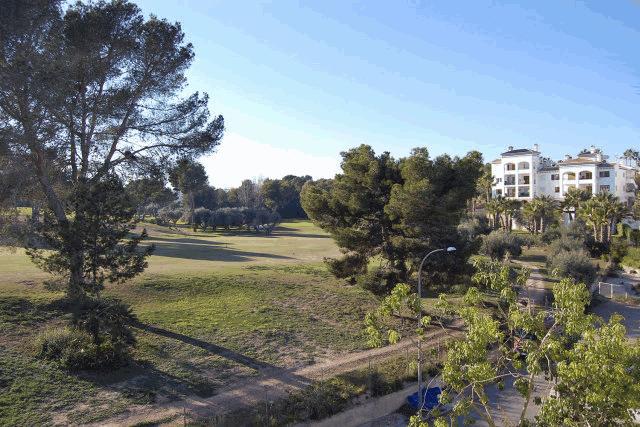 itsh 1521901332FXBPML ref 1698 mobile 9 1st hole of the Villamartin Golf course Villamartin Plaza