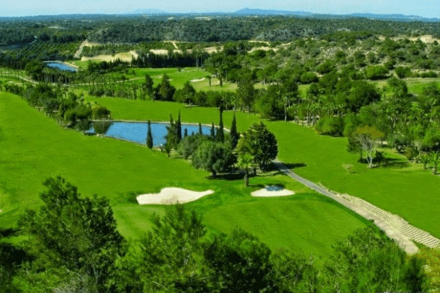 itsh 1554115842SQYCFZ ref 1736 mobile 24 Campoamor Golf course a few klm away Villamartin Plaza