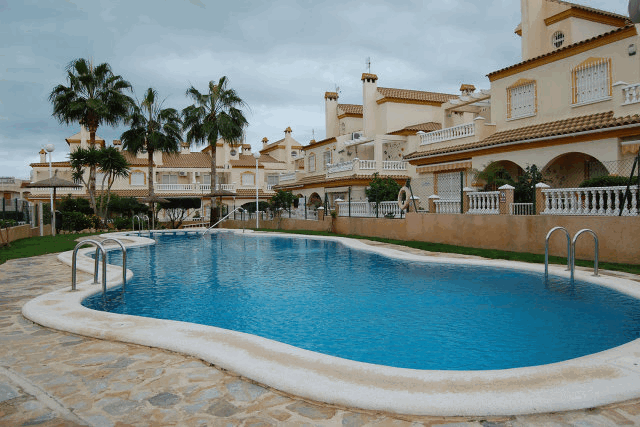 itsh 1521881460TQWANP ref 1712 mobile 1 Communal pool outside of your door! Playa Flamenca