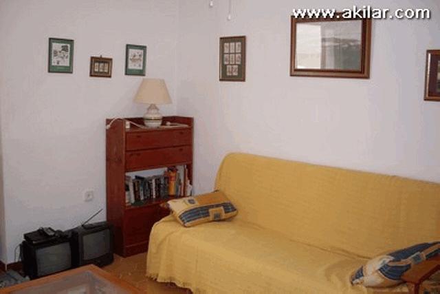 itsh 1555673258AFZGHJ ref 637 mobile 4 Living Room Villamartin Plaza
