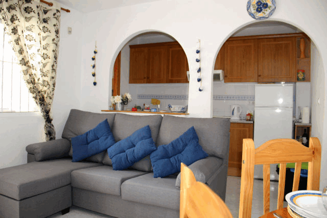 itsh 1522076149FBYWJK ref 1710 mobile 7 Living room of the apartment Villamartin