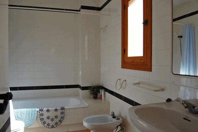 itsh 1521811608XWKVNQ ref 7 mobile 7 Full family bathroom Villamartin Plaza