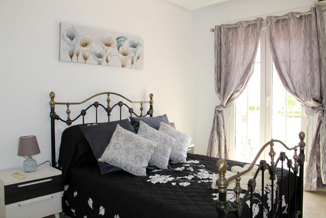 itsh 1626990600YRKJUD ref 1766 mobile 10 Large Double Master Bedroom with Ensuite Villamartin