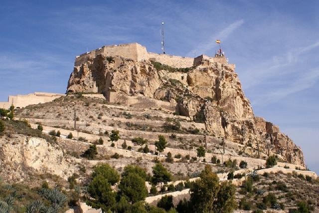 itsh 1553510973EQXBPH ref 1697 mobile 21 Santa Barbara Castle in Alicante to visit Los Dolses