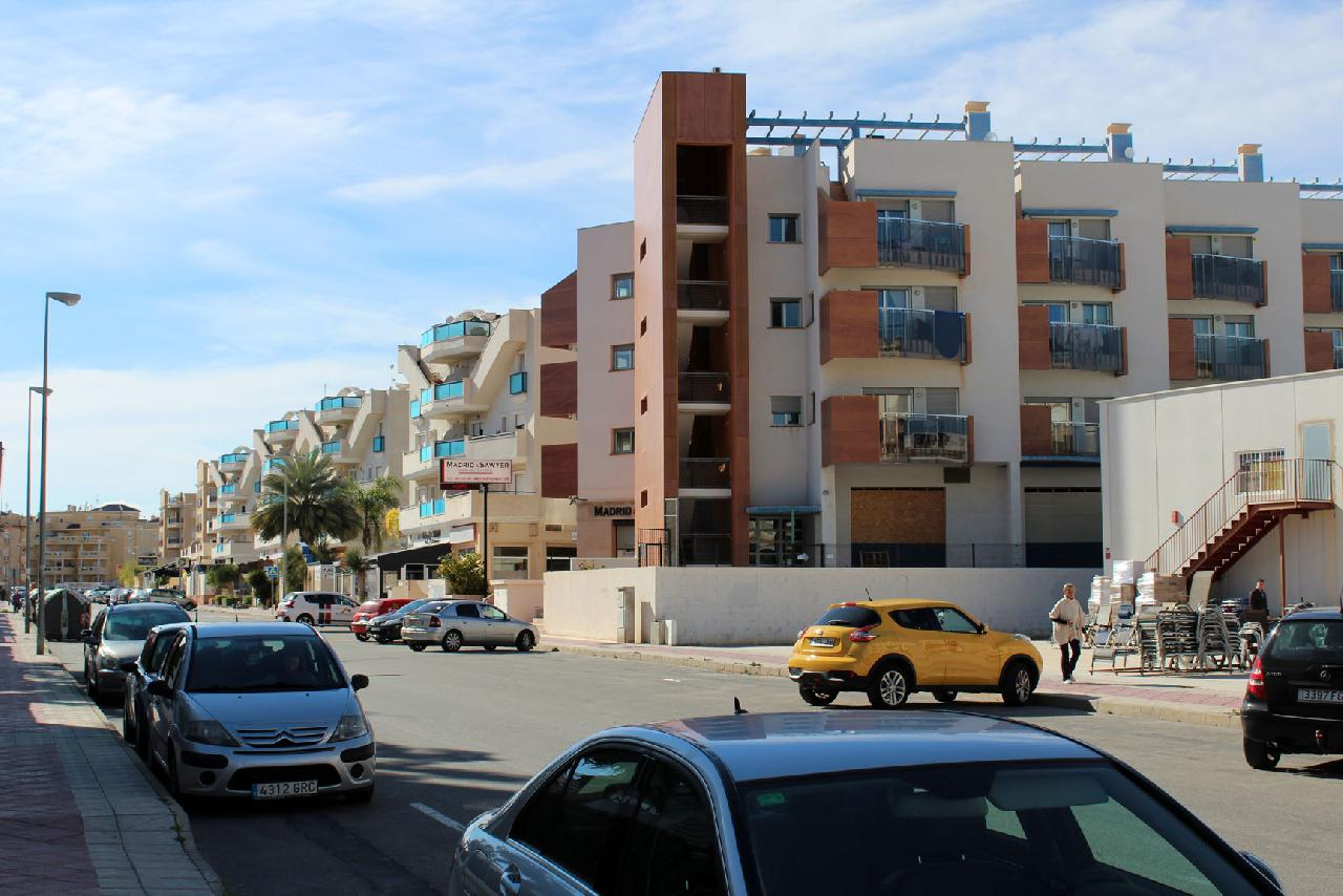 itsh 1629758820XRZLEF ref 1767 mobile 13 Local area outside of the apartment Cabo Roig