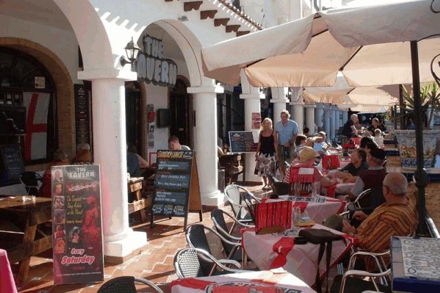 itsh 1573260885CPLUHS ref 1747 mobile 15 Restaurants on the Villamartin Plaza Villamartin Plaza