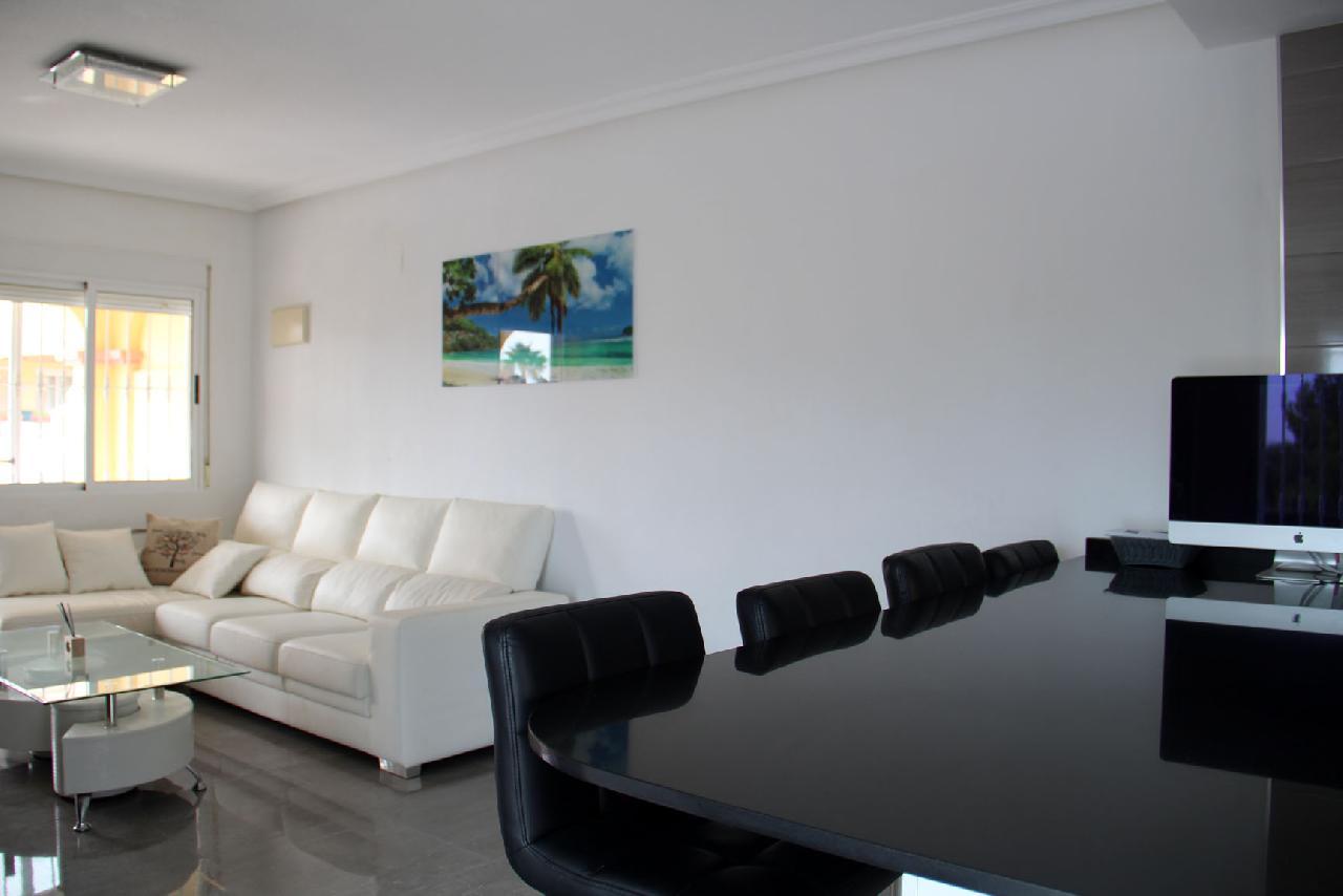 itsh 1631312124YNWEKC ref 1768 mobile 8 Breakfast bar and living room Villamartin