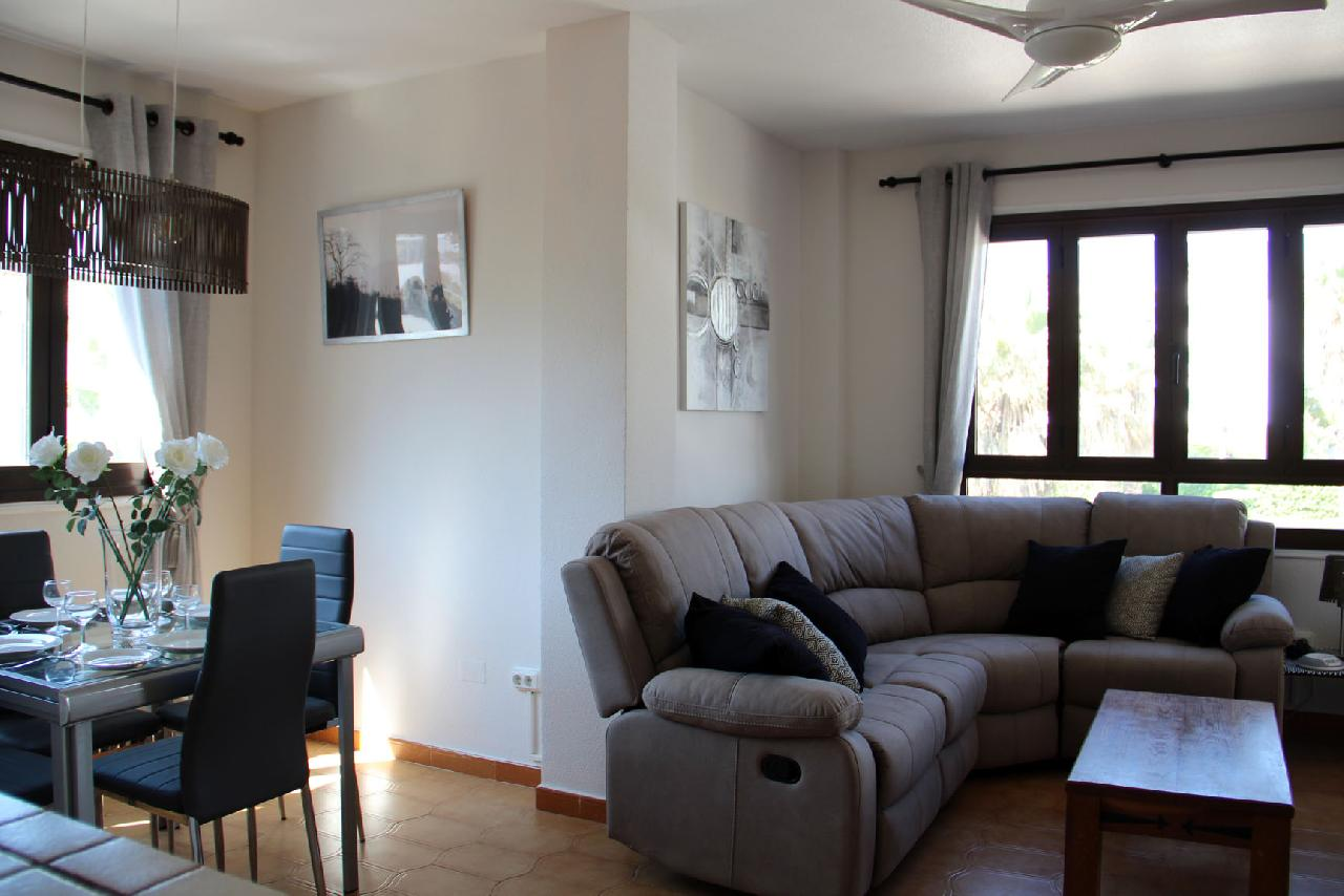 itsh 1554124653WMGAYO ref 1739 mobile 3 Living room and dining area Villamartin Plaza